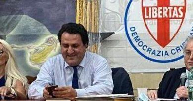 LE FELICITAZIONI DELLA DEMOCRAZIA CRISTIANA AL SENATORE SAVERIO DE BONIS ELETTO SEGRETARIO DELLA IX COMMISSIONE AGRICOLTURA DEL SENATO DELLA REPUBBLICA